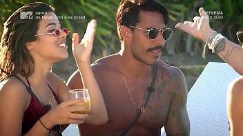 poetry travis breast - De férias com o ex brasil 3x06 thumbnail
