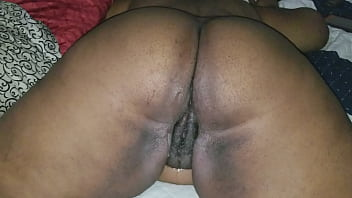 FUCKING BIG BUTT BBW EBONY MILF MOM FILLING HER WITH CUM CREAMPIE