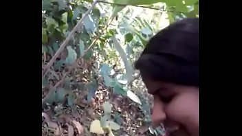 Desi girl very nice sucking n fucking in forest - HornySlutCams.com's Thumb