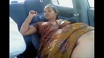 Sexy indian woman gallery Tamil saare aunty
