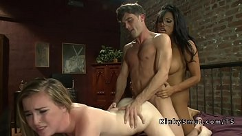 Mmf tranny - Dude bangs babe while getting tranny