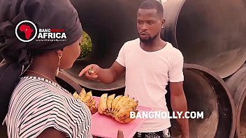 A lady who sales Banana  got  fucked by a buyer -while teaching him on how to eat the banana