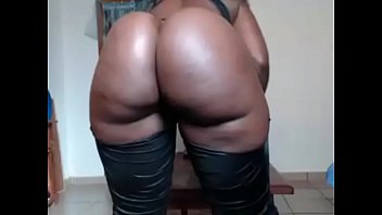 Ebony chat girl with big phat ass
