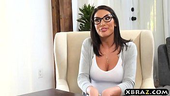 Big boobs student August Ames gets off the waitlist 7 min
