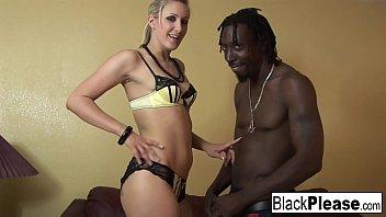 Angel Long Loves Black Cock 7分钟