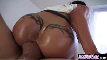 Big Oiled Wet Butt Girl Get Anal Sex movie-15
