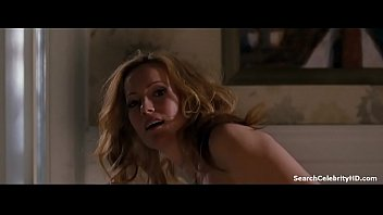 Sexed up celebs - Leslie mann in the change-up 2012