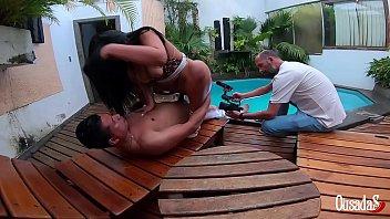 A Novinha Da Bunda Gigante Encara O Ator Mais Bem Dotado Do Brasil - Stella Smeets - Ed Junior - Binho Ted