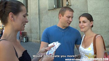 CZECH COUPLES Young Couple Takes Money for Public Foursome 7分钟