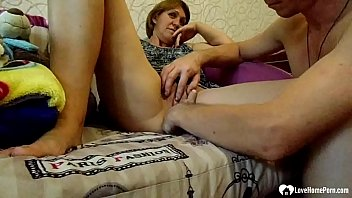 Streaming Video Horny stepmoms gets her pussy fingered deep - XLXX.video