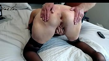 Hot Mom Fingers Her Wet Pussy Doggystyle Big Ass Spread Open 10 min