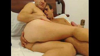 Gay small penis Maduros se pegam gostoso na cam