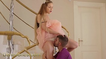 Dane Jones Sexy young Russian Mary Rock hot fuck and facial on the stairs 11分钟