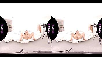 PORNBCN VR 4K | POV con las latinas de tetas grandes Canela Skin y Katrina Moreno simulando que follan contigo en realidad virtual. Extra final lesbico con Valentina Bianco , videos completos en pornbcn.com realidad virtual latina latinas porno espa&ntild缩略图