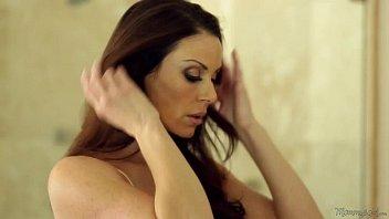 Mommy's Girl - Kendra Lust, Riley Reid 6 min