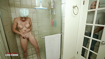Caught Spying on my Step Mom and Cum on her Pussy - Cory Chase
