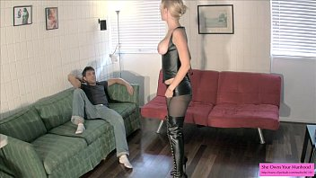 Vanessa Busts Roommates Balls