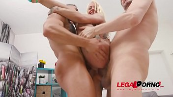 Harleen Van Hynten returns to Gonzo with rough balls deep anal, DAP, Insane fisting & first time pissing SZ2460