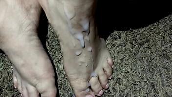Nice pov cumshot over amateur latina whore's sexy feet