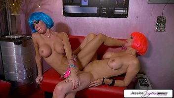 Julia Ann And Jessica Jaymes lesbian duo going off 11 min