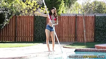 Pool Cleaner Eliza Ibarra Cleans Also BBC 8分钟