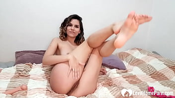 Amazing beauty strips and uses her favorite toy