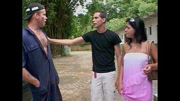 Mechanic getting involved in threesome porno izle