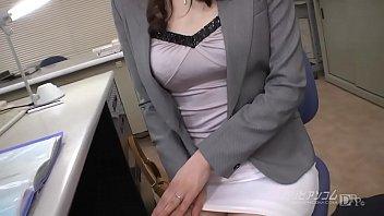 XVIDEO 満島ノエ 熟女OLが社内でフェラチオ(満島ノエ)