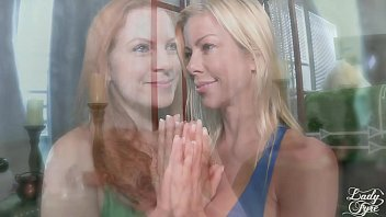 My Two Stepmoms: m.'s Day Gift [FULL VIDEO] Alexis Fawx & Lady Fyre