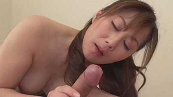 熟痴女の淫らな誘惑~若い男をシャブリたい!~ - 榎田まゆ美 2