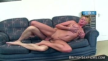 Flabby mature taking in the backdoor - 69VClub.Com