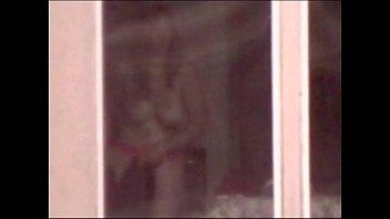 Exhibitionniste info remember voyeur Espiando a exhibicionista del edificio de enfrente