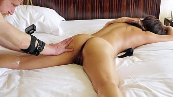 Authentic SQUIRTING Yoni Massage (she paid ME!) Real Chinese Singaporean office girl.. LOUD multiple orgasms!