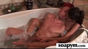 Soapy Massage End With a Big Cumshot 8 5分钟