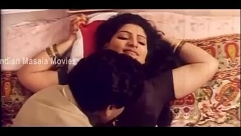 Aunty Hot Romantic Scene In Elamai Unarchigal - Babilona, Uday pornhub video