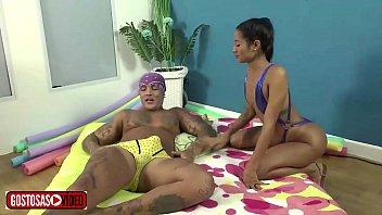 Novinha meets a grown man on the beach and takes him home with Niara Pessanha