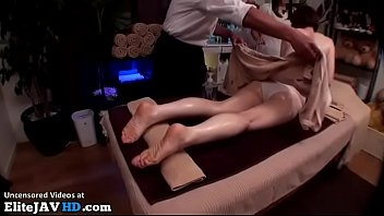 Image: Japanese massage with 18yo cutie goes wrong