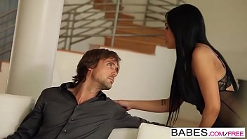 Babes - LAY HER DOWN Selena Rose