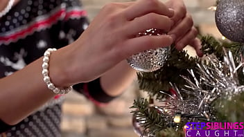 """Step Sisters BFF """"Are you going to play with your present?"""" S15:E8 thumbnail"""