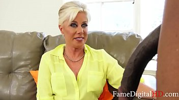 Grandmom tests my boyfriend before marriage- Peyton Hall