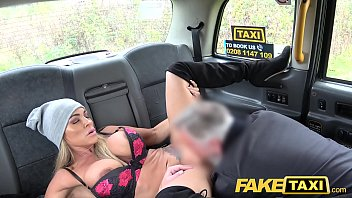 Fake Taxi Mature busty milf licks arse and empties big balls Vorschaubild