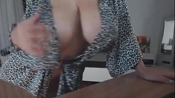 Huge Boobs Milf On Webcam sexygirlsoncameras.com