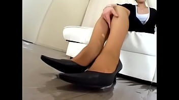 japanese office lady stinky stocking smell pumps