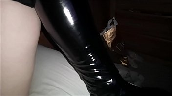 Latex/PVC/Leather Outfits - Big Ass MILF Has Her Bubble Butt Oiled, Tight Pussy Fingered Hard, Thick Ass Plugged And Thumbed And Cums Until She Can Take No More. Real Homemade Amateur Porn Pov Hardcore Couple صورة
