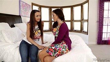 I have lesbian experience before your Dad! - Dillion Harper, Ariella Ferrera thumbnail