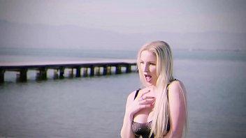 Mamacitaz Cassie Fire Franco Roccaforte Crazy Russian Brunette Bbc Drilled In Hot Outdoor Sex