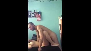 Couple d'amateur en action