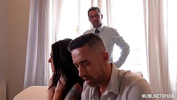 Wild Milf Simony Diamond Double Penetrated By Two Detectives