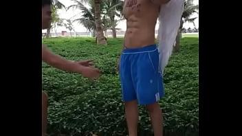 Khi thiên thần Blued bị tuột quần