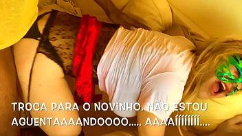 巴西变性人被2只BIG公鸡蛊惑